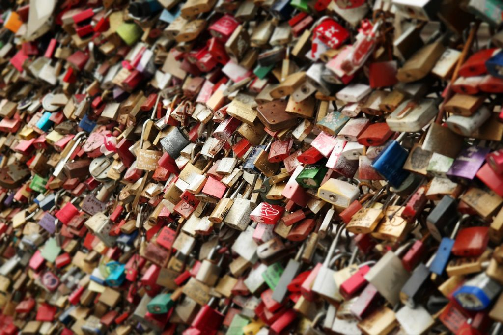 locks, padlocks, love locks